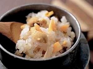 新鮮を食べる湯宿 大田家:自家製米!炊きたて名物 ウニ釜飯!