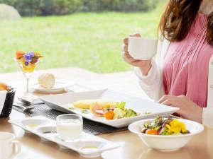 ■カフェレストラン マリーヌ■目覚めのコーヒーを一口。1日の始まりに上質なホテル朝食を