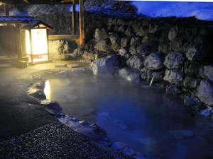 山の宿 野中温泉:【露天風呂】満天の星空を見上げ、ゆったりとお過ごし下さい。