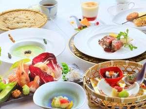 マウレ山荘:〔夕食〕~ピリカコース~旅の目的は、贅沢なお料理と美肌の湯