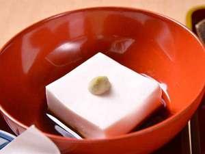 金剛三昧院:*精進料理(白胡麻豆腐)/高野山といえばこちら!胡麻の風味が口いっぱいに広がります。