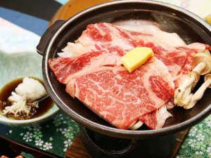 いで湯と文学の宿 和泉屋旅館:とちぎ和牛を贅沢に使った陶板焼きは当館人気メニュー