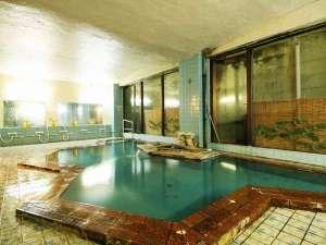 いで湯と文学の宿 和泉屋旅館:塩原のかけ流し温泉。広めの貸切風呂