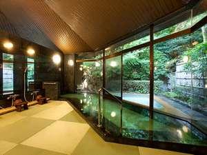 全室半露天風呂つき 山もみじの宿 八芳園:【畳の湯】畳の床で柔らかい畳の肌触りをお楽しみ下さい。