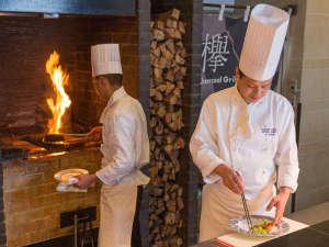 博多エクセルホテル東急:レストラン欅 料理風景