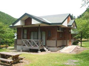 大館市ベニヤマ自然パーク:6棟のコテージにキャンプ場もあります。