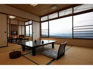 10+6畳和室眺望側