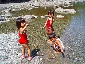 祖谷の宿 かずらや:夏は川遊びも◎