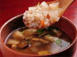 祖谷の宿 かずらや:郷土料理のそば米雑炊具だくさんでとってもヘルシー♪♪