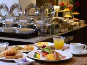ホテル パームロイヤルNAHA 国際通り (8月プールOPEN予定):1階朝食レストラン