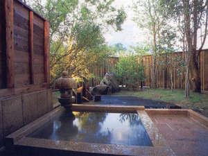 赤川温泉 スパージュ:貸切でゆったりとすごせるプライベート感覚の露天風呂