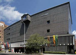国立文楽劇場世界無形遺産に指定されている、日本独自の伝統芸能「文楽」を公演