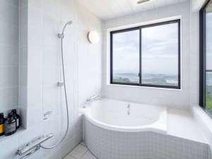 お風呂からも絶景が見えるパノラマ風呂!