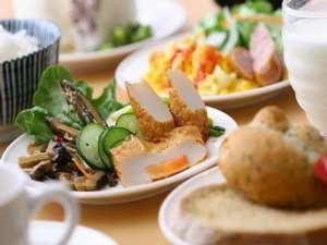 ホテルアービック鹿児島:【朝食】クチコミでも好評!「さつま揚げ」や「鶏飯」など郷土の食もお薦め♪