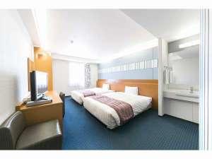 ベッセルホテル石垣島:広さ26平米、ベッド幅150cmでゆったりツインルーム