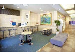 新大阪サニーストンホテル:ホテルの玄関、フロント前ロビー♪