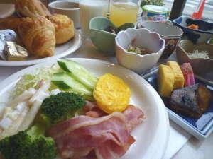 新大阪サニーストンホテル:朝からしっかり食べて一日の活力を!