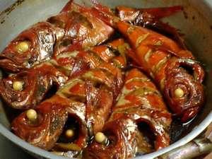 漁師の宿 太郎:金目鯛のお煮つけは大人気メニューです。
