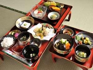 高野山 持明院:ちょっと豪華なデラックスの精進料理(季節によって内容が変わります)