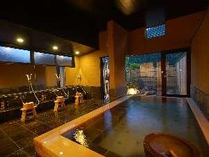 郷夢の宿 山ぼうし:07年8/1オープン。掛け流しの温泉があふれる内湯&露天風呂