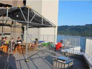 ホステル&カフェバー バックパッカーズ宮島:屋上からは瀬戸内海と宮島を一望できます♪ハンモックでの昼寝も最高です