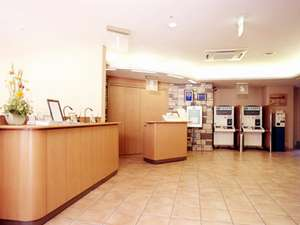 R&Bホテル神戸元町:温かみ溢れるロビー