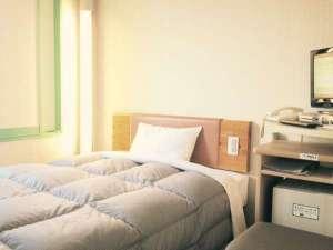 R&Bホテル神戸元町:清潔で機能的な客室(例1)