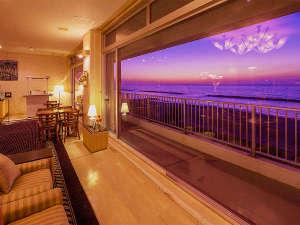 日本海の夕日を露天風呂と客室で満喫する宿  瀬波ビューホテルの写真