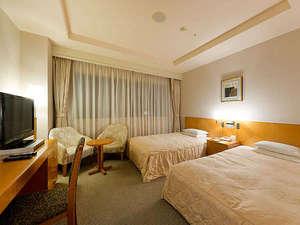 KKRホテル金沢(国家公務員共済組合連合会金沢共済会館):ゆったりとお過ごしいただけるツインルーム一例