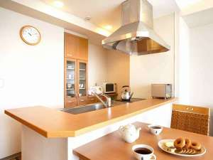 東急バケーションズ伊豆高原:全室キッチン付き。大型冷蔵庫や炊飯器、各種調理器具を完備。
