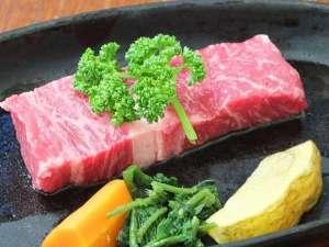間欠泉 湯の華:【米沢牛ステーキ例】さすがブランド和牛!柔らかな肉質と癖の無い旨味に感動する♪