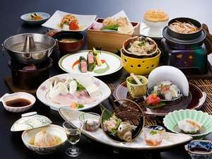 つるぎ恋月:地元の素材にこだわり技を磨き続けた峯山料理長の会席料理※季節によりメニューは変更になります。