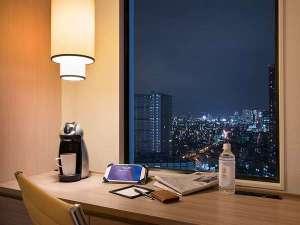 サンシャインシティプリンスホテル:池袋随一の高層階から眺める夜景にうっとり。都会の喧騒から離れて、まったりお過ごしください。