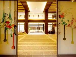 箱根強羅温泉 季の湯 雪月花:風情溢れる玄関