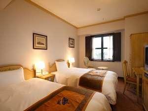 ホテルモントレ長崎:レトロな感じの客室です。