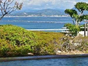 ホテルサンリゾート白浜:展望露天風呂に浸って望むオーシャンビューの絶景♪