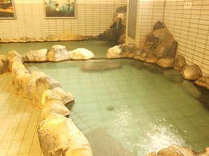 湯の川温泉 ホテル雨宮館:源泉掛け流し。大人気日帰り入浴(大人400円・小人200円)