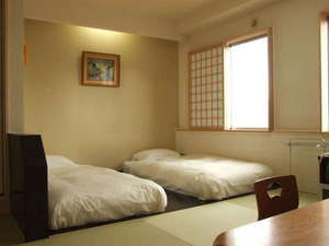 湯の川温泉 ホテル雨宮館:2012年改装◇和洋室約10畳◆ちょっぴり贅沢したいときに(喫煙室・禁煙室お選びください)