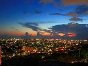 ノボテル沖縄那覇 (2018.9/13 GRAND OPEN):首里の高台に位置するノボテル沖縄那覇からは、きらめく那覇の夜景をお楽しみ頂けます。※イメージ