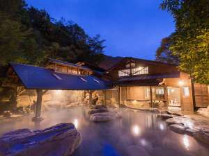 黒川温泉 やまびこ旅館:仙人風呂は大と小が日替わりです。