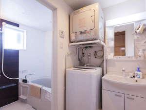 かりゆしコンドミニアムリゾート北谷ARAHA SUNSET:全室に洗濯機・ガス乾燥機・キッチン・電子レンジ・無料150chシアターをご用意。ロングステイも楽々です。