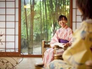 ゆとりろ洞爺湖(旧 洞爺山水ホテル和風):◆湯上り処~竹庭を望みながらお寛ぎ頂けます。