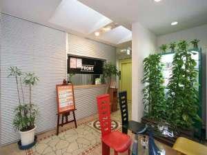 上野タウンホテル:フロント