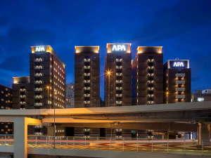 アパホテル〈六本木SIX〉2020年7月28日開業の写真