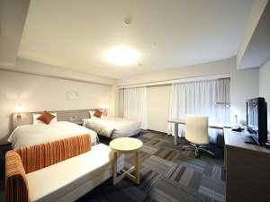 ダイワロイネットホテル盛岡:☆ツインルームでは、カップル・ビジネスのご利用に最適。荷物がいっぱいおける31㎡