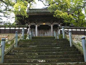 料理民宿 応挙前:1200年の歴史を誇る大乗寺の目前に当館がございます。