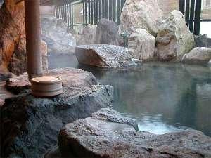 五室五湯の宿 華水(かすい):混浴露天風呂「月華」