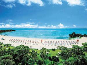 ホテル日航アリビラ:お日さまの光に輝く珊瑚礁の碧い海は、10月までお楽しみ頂けます♪
