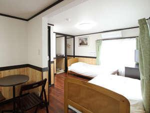 山と自然と温泉を愛する人の宿 ホテルモルゲンロート有馬温泉:ホテル・モルゲンロートの客室の1つ