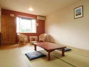 湯元ニヤマ温泉ホテル NKヴィラ:居心地がよく、明るい和室